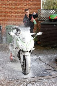 106_all-year-biker005